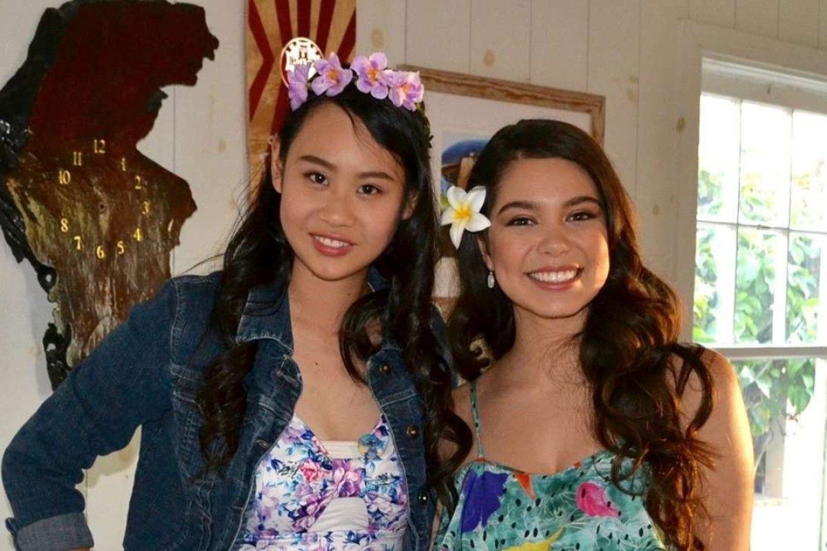 "Cassandra Hsiao, left, a 17-year-old journalist who got accepted into all eight Ivy League schools in the United States, meets with Auli'i Cravalho, Hawaiian lead actress of Disney's ""Moana"". Handout photo"