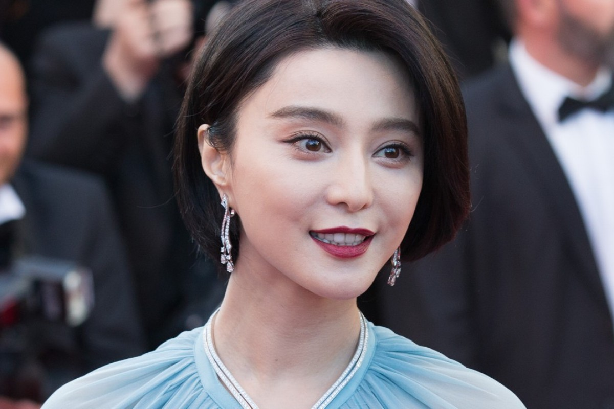 Jury member for the 70th Cannes International Film Festival Fan Bingbing Wang Luodan poses on the red carpet at the opening of the 70th Cannes International Film Festival. Photo: Xinhua