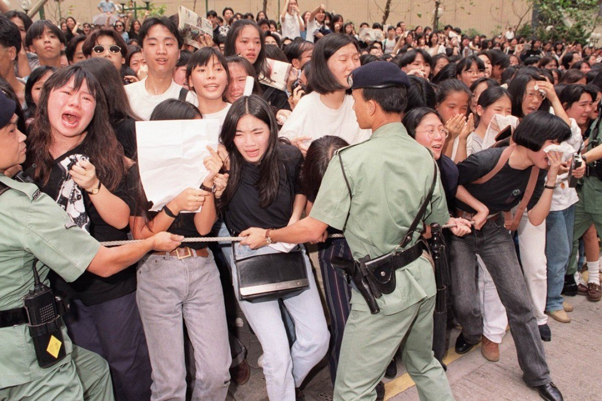 Fans distraught as the hearse carrying Wong Ka-kui leaves Hong Kong Funeral Parlour, in July 1993. Picture: SCMP
