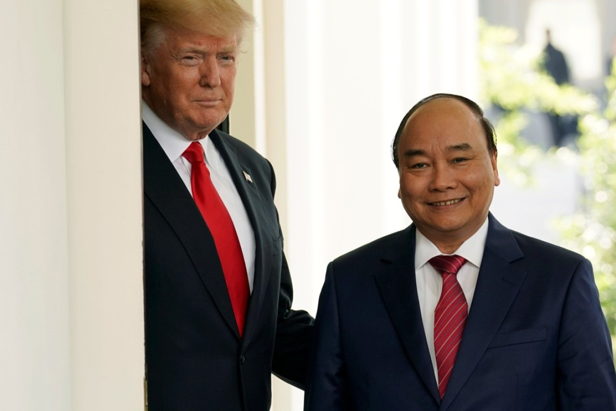 US President Donald Trump welcomes Vietnamese Prime Minister Nguyen Xuan Phuc to the White House. Photo: Reuters