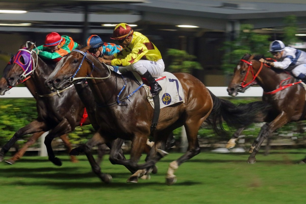 Southern Legend wins at Happy Valley in July. Photos: Kenneth Chan.