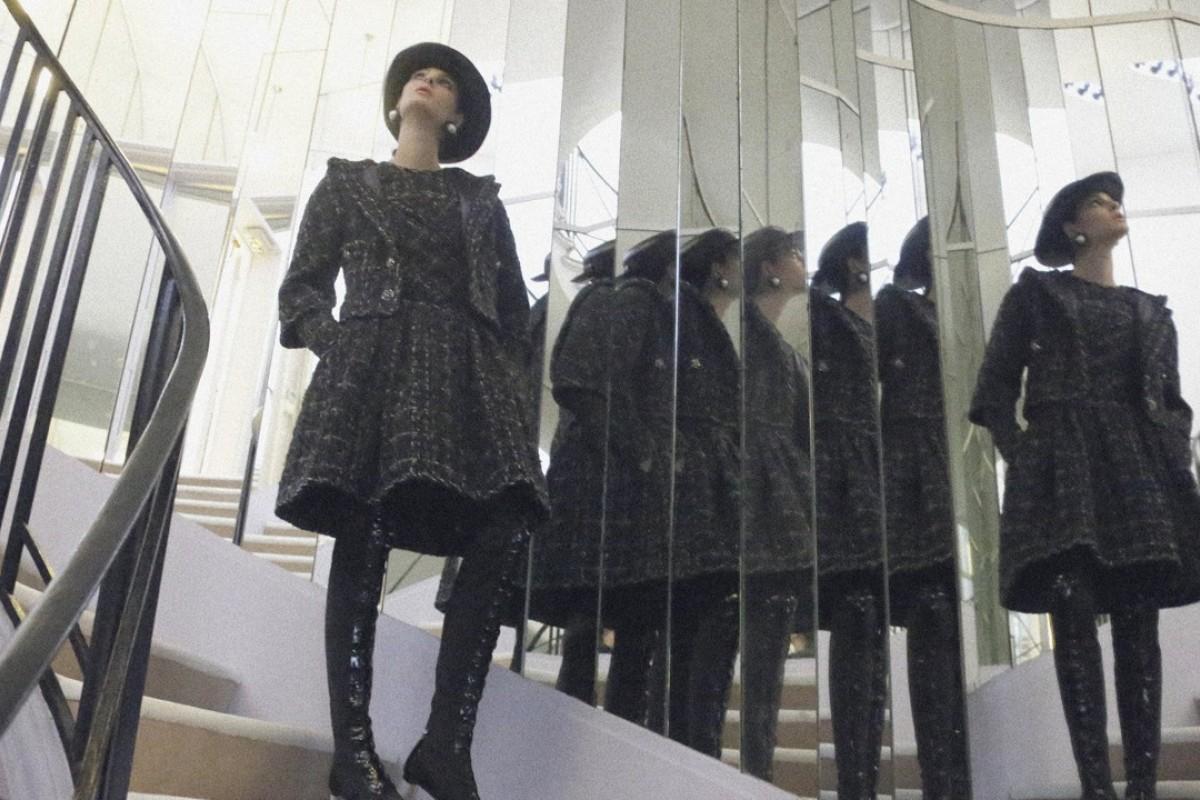 Chanel haute couture autumn/winter atelier 2017.
