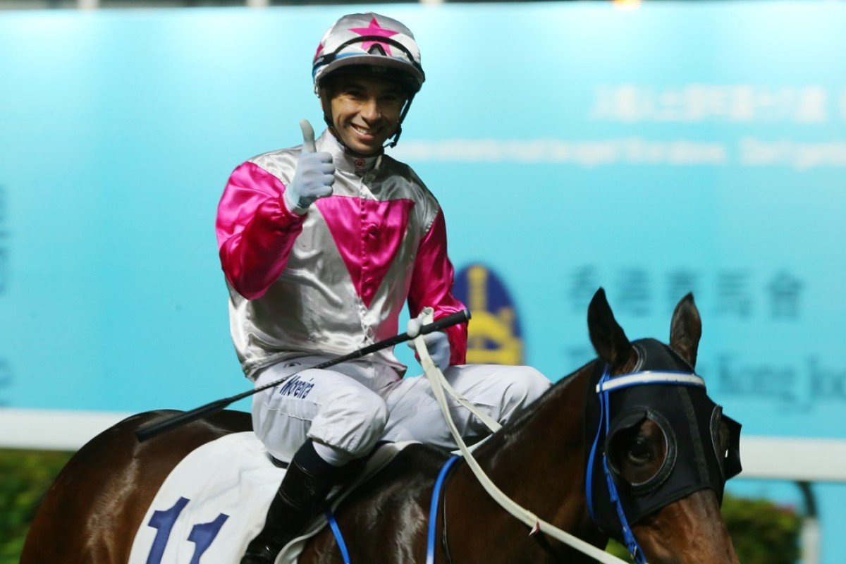 Joao Moreira gives the thumbs up after Sweet Bean's latest win. Photos: Kenneth Chan.
