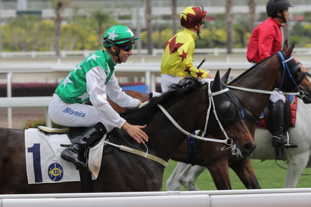 Joao Moreira and Pakistan Star return to scale after being beaten by Southern Legend. Photo: Kenneth Chan