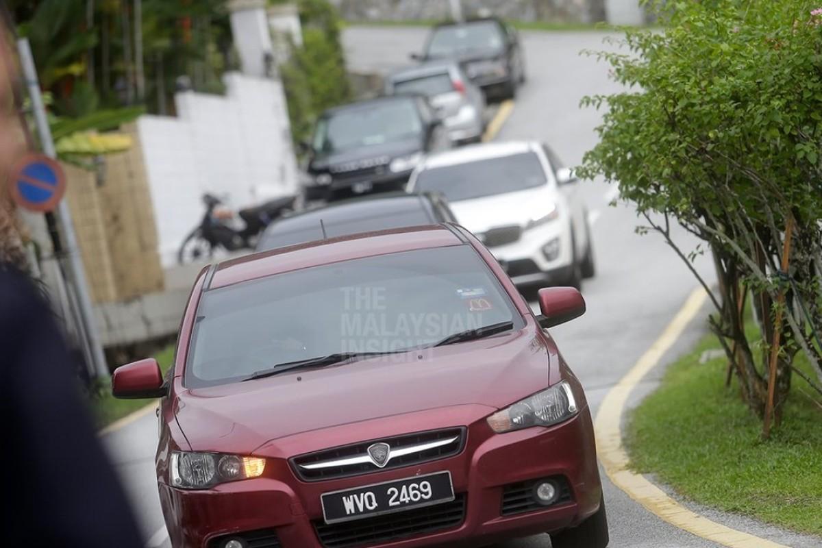 Malaysia 1MDB scandal: Ex-PM Najib Razak arrested