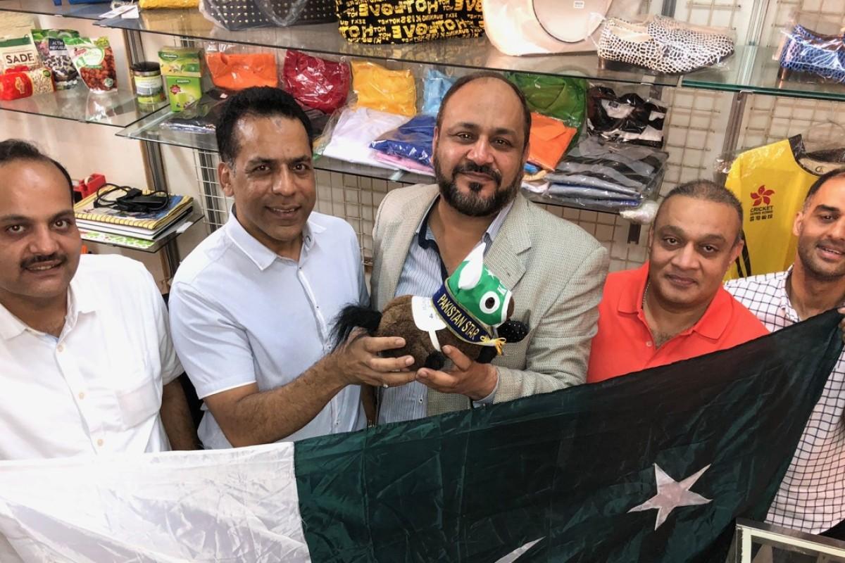 Mohammad Ilyas, Bhatti Saeed, Jawad Ashraf, Mian Rasheed and Shahid Mubeen with a Pakistan Star plushie. Photo: Michael Cox