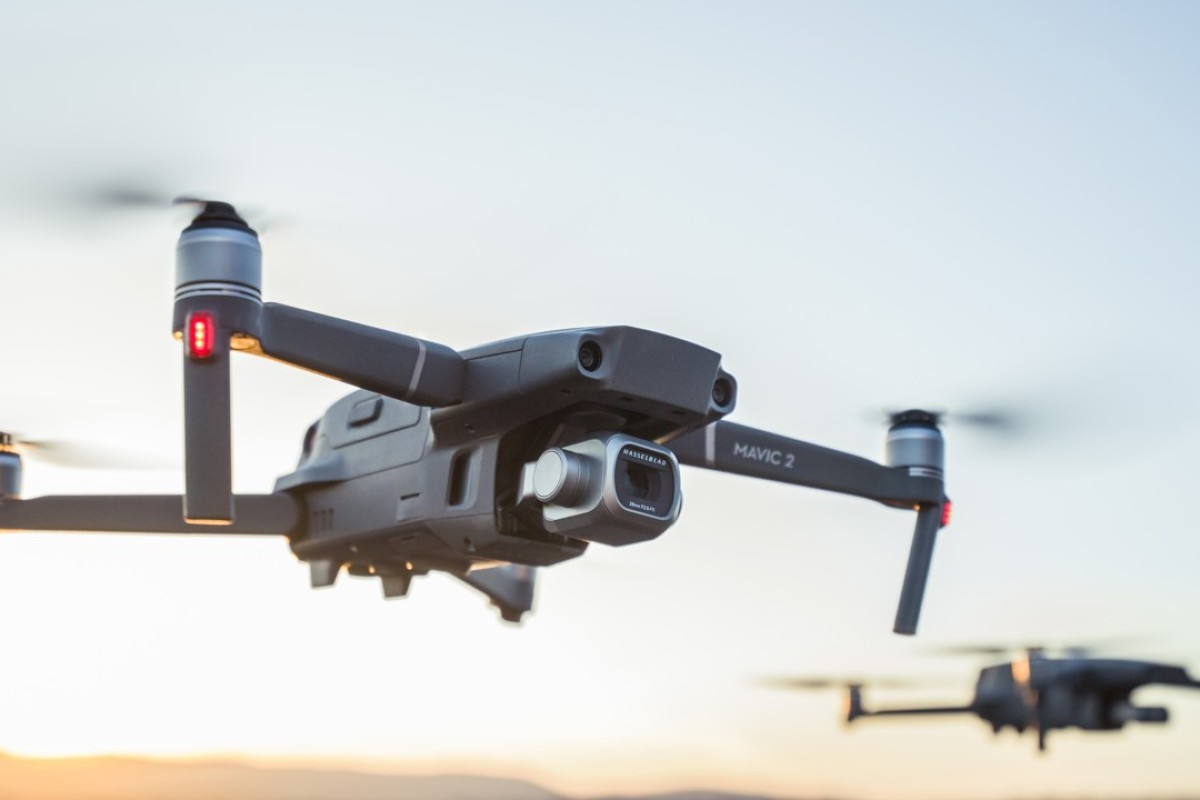 Designed for professionals, aerial photographers and content creators, the Mavic 2 Pro incorporates the Mavic Pro folding design, featuring a flight time of up to 31 minutes and a more stable video transmission system.