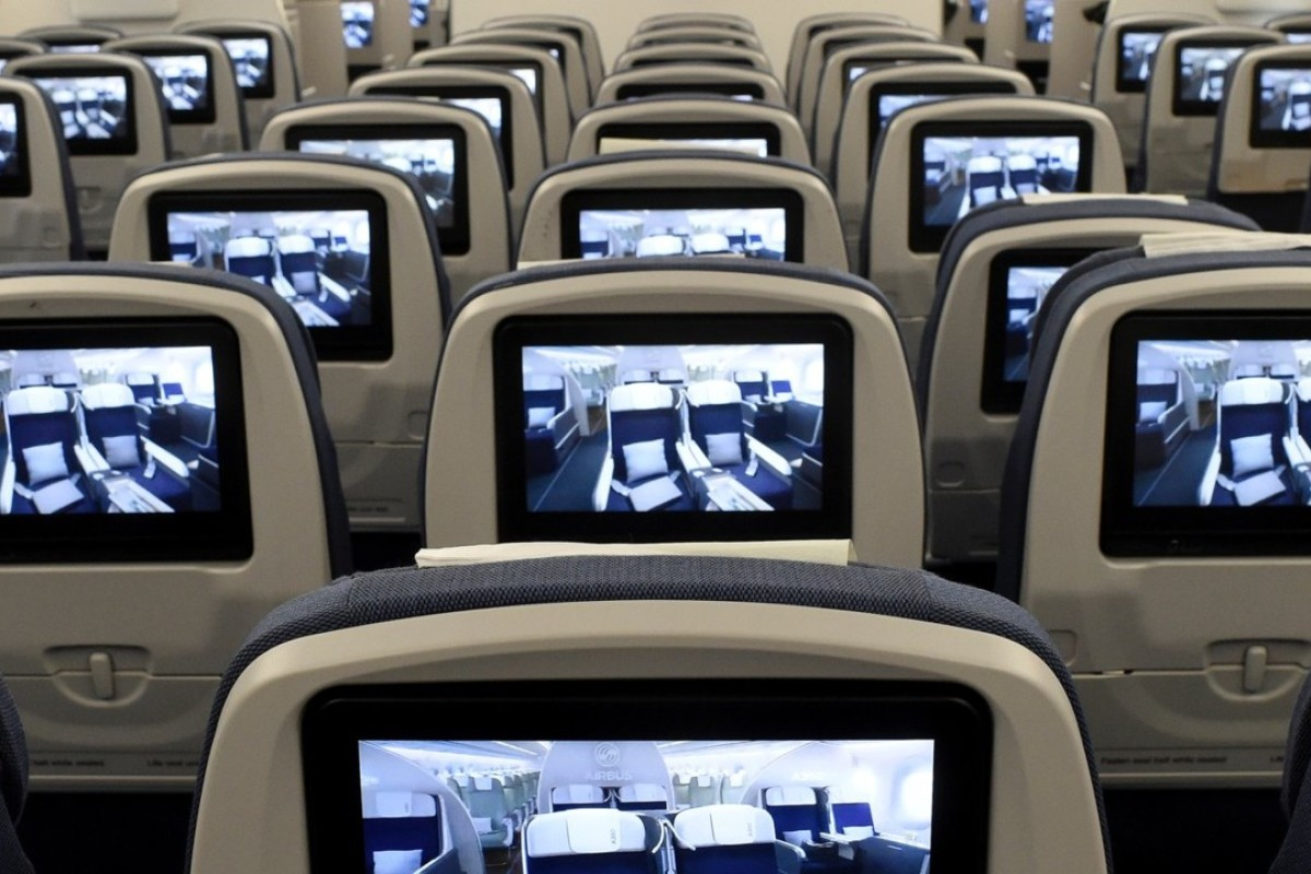 The Airbus A350, a twin-aisle airliner used on long-haul international flights, has nine or even 10-abreast seating in a 3-3-3 or 3-4-3 configuration, making it another poor choice. Photo: Reuters