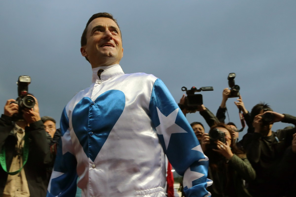 Douglas Whyte farewells his fans after his last race at Sha Tin on Sunday. Photos: Kenneth Chan