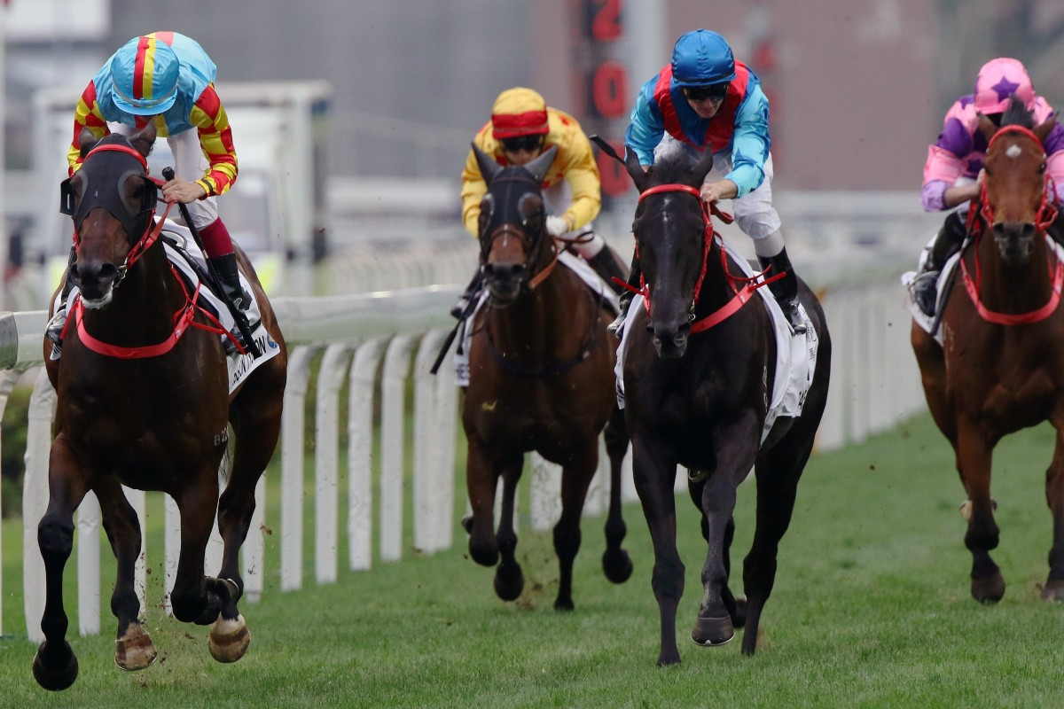 Mission Tycoon (left) takes out the Classic Cup on Sunday. Photos: Kenneth Chan