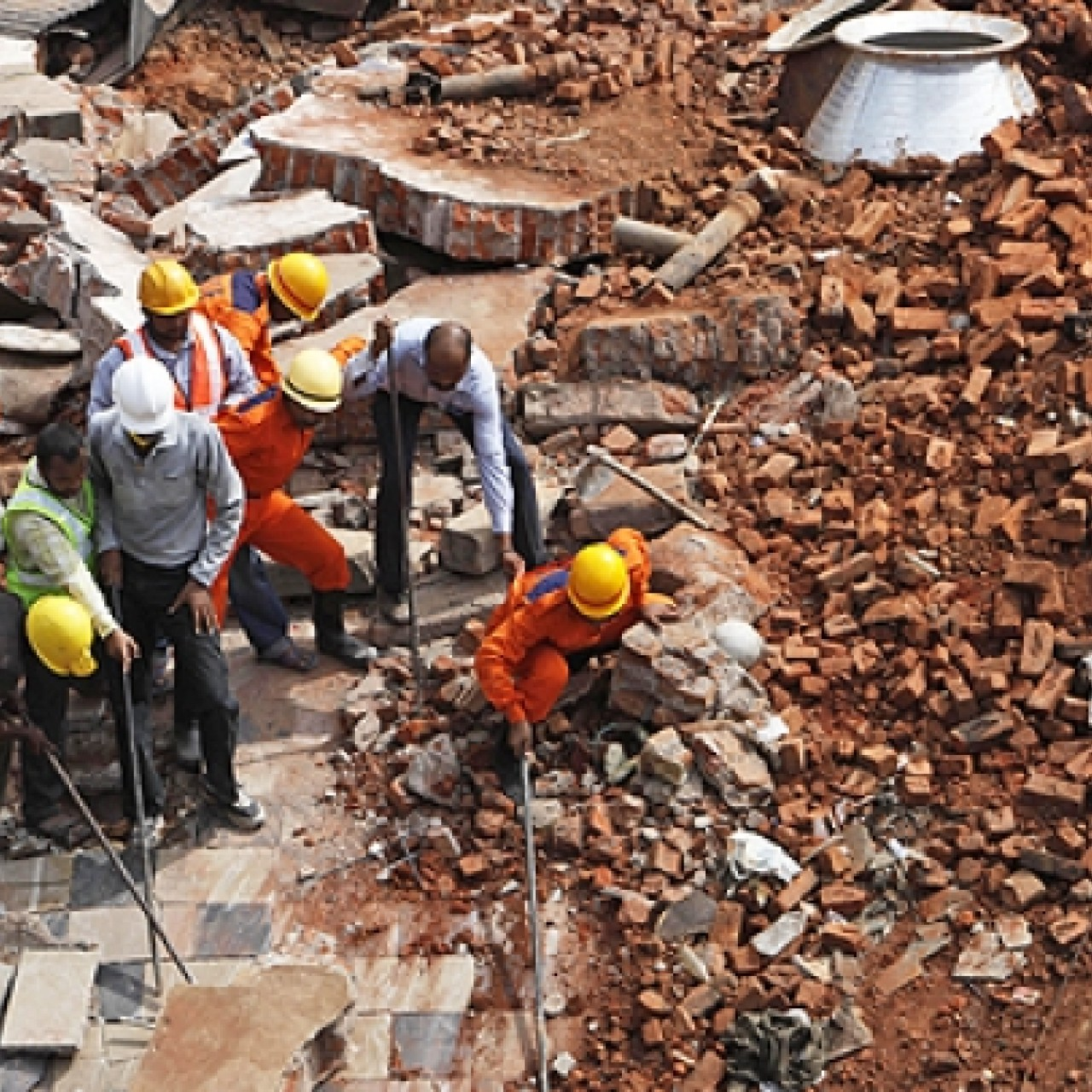 Twelve killed in India building collapse   South China