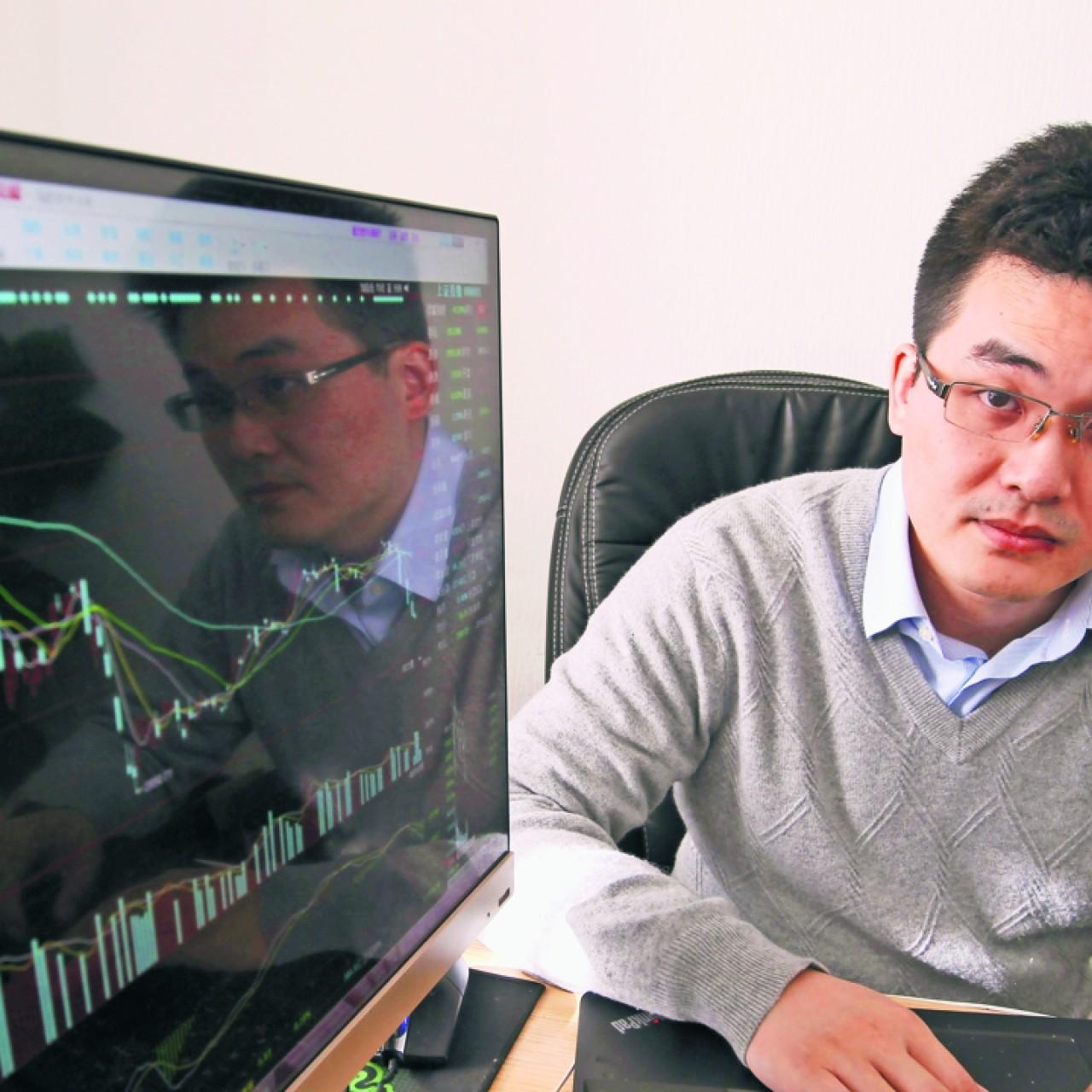 Allen Gu, founder of Renrencaopan com, talks about his start-ups