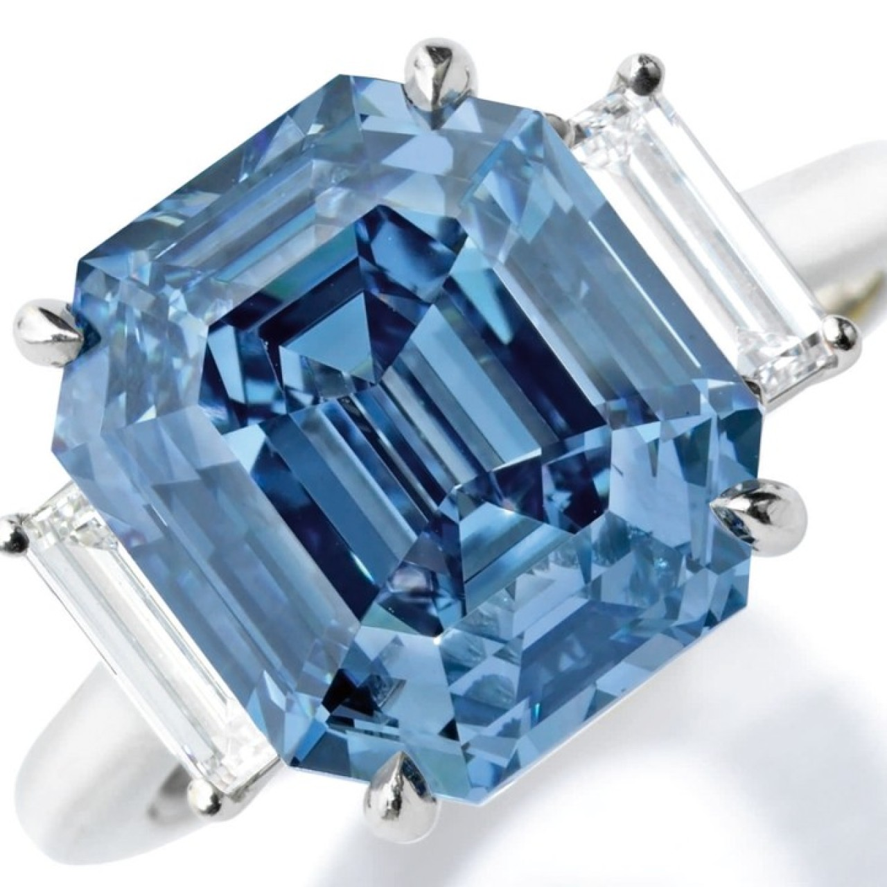 2d9850bdb0e37 Sotheby's offers US$15 million blue diamond at New York sale | South ...