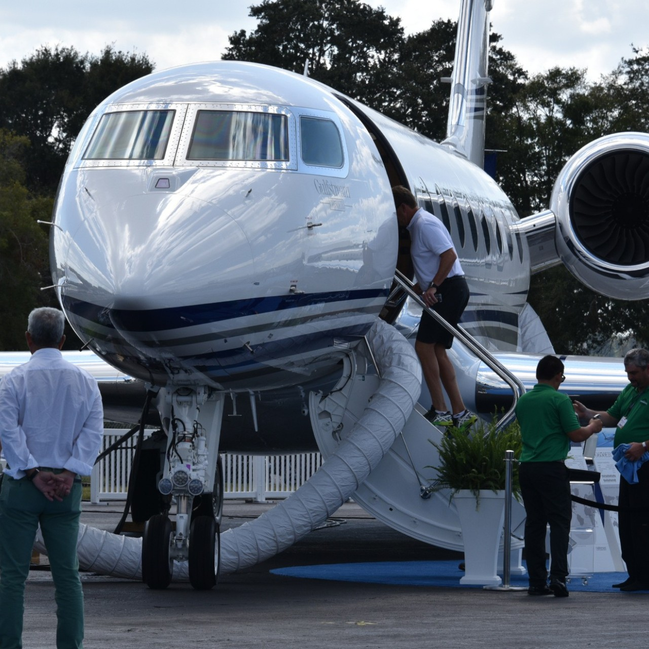 Peek inside the luxury Boeing tailored for the world's richest