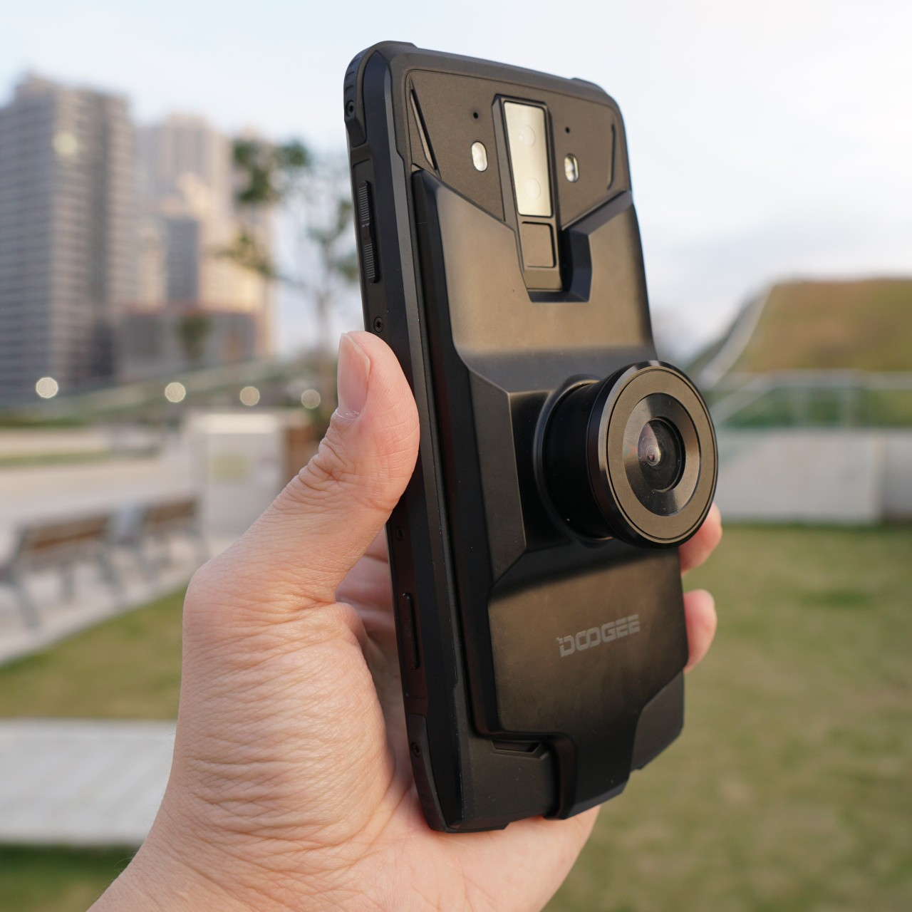 Doogee S90 modular phone turns into night vision camera, walkie
