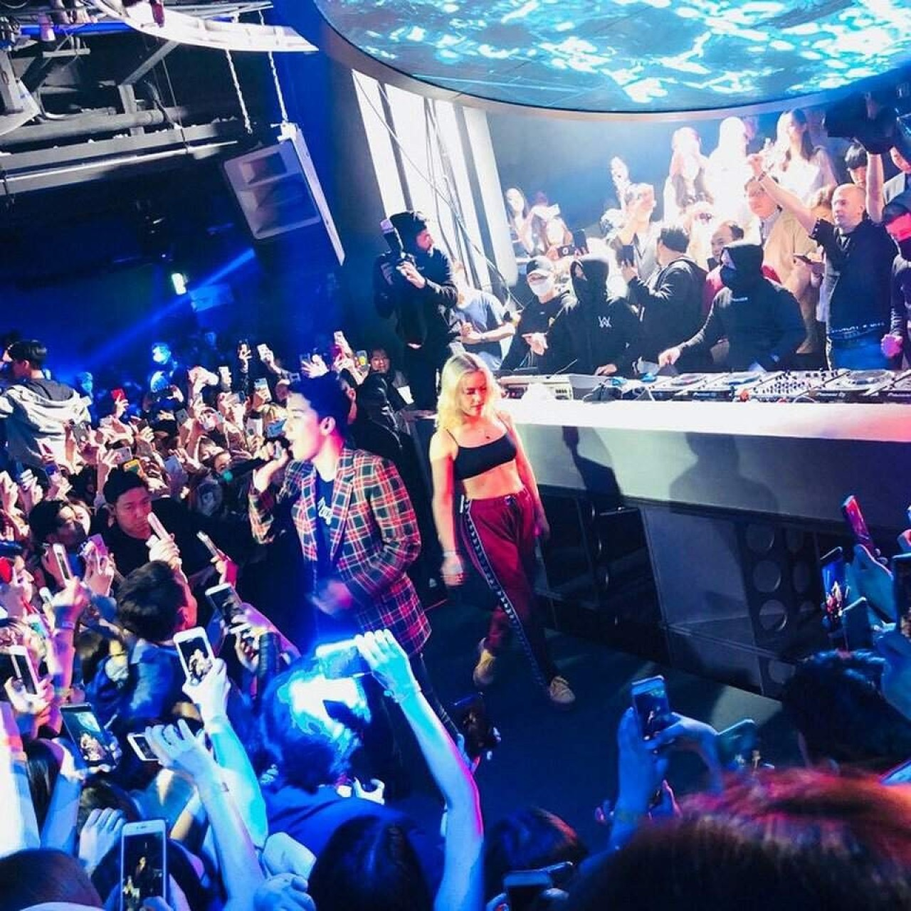 Nightclub linked to K-pop star Seungri investigated over alleged